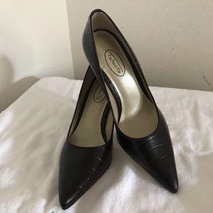 Women's shoes SZ 7 1/2